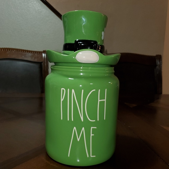 Rae dunn pinch me canister